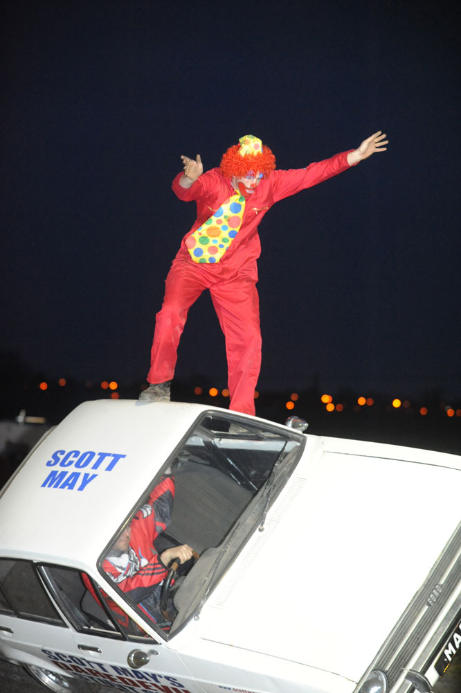 Double Buggy Uk Stunt Clown Scott May 39;s Daredevil Stunt Show