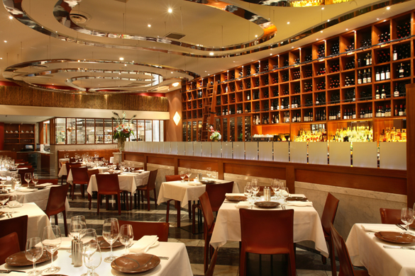 OPPORTUNITY KNOCKS | West Restaurant On Hunt For A Server & Part-Time Manager