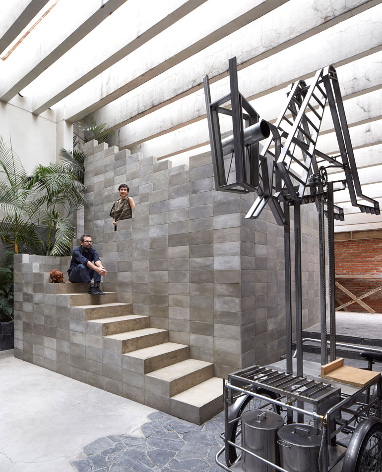 pedro-reyes-house-architecture-mexico-city_dezeen_2364_col_0