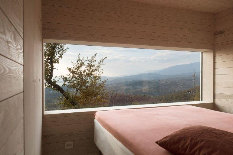 cabin-jon-danielsen-aarhus-architecture-residential-norway_dezeen_2364_col_18
