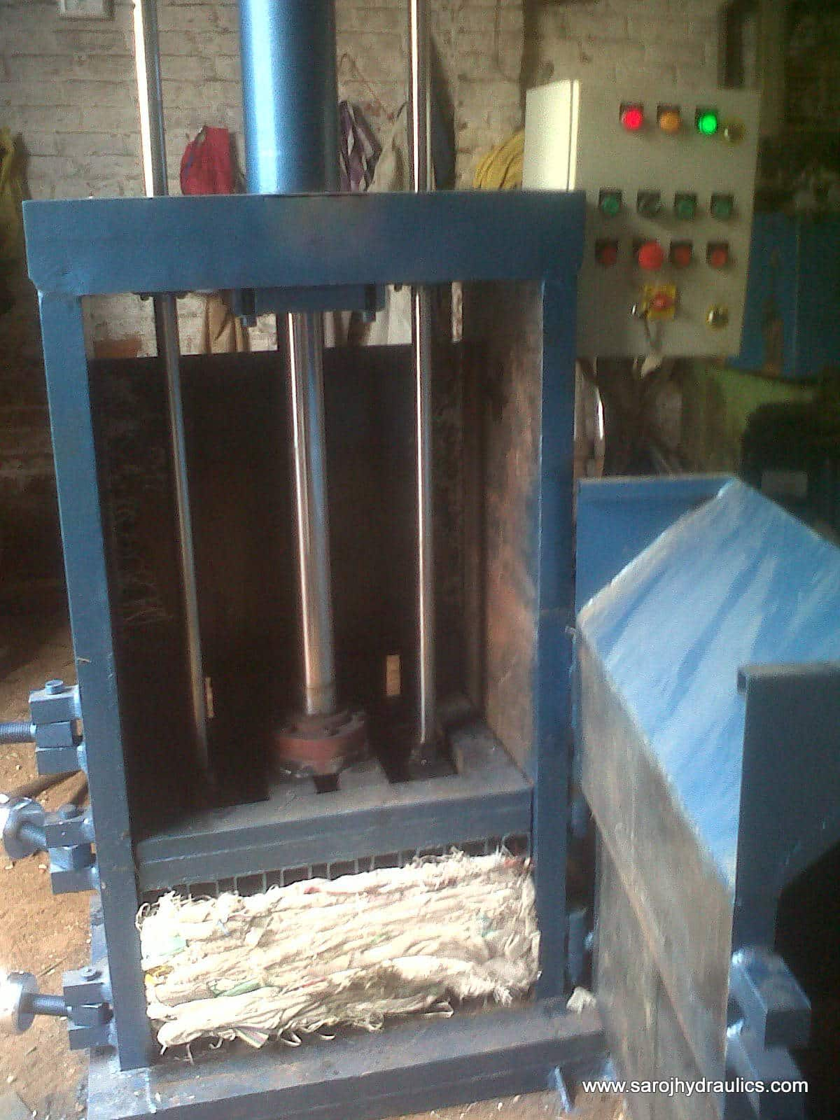 vertical-baler-open-door