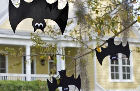 Tutorial - Layla-Palmer-Halloween-hanging-bats