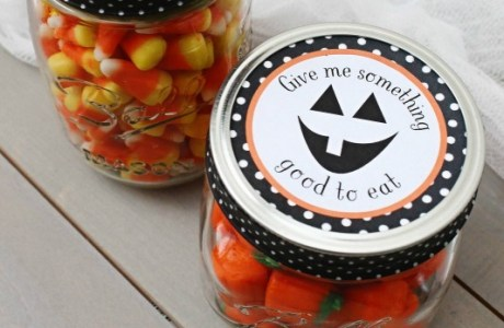 Freebie - halloween mason jar label from Lil mrs Tori