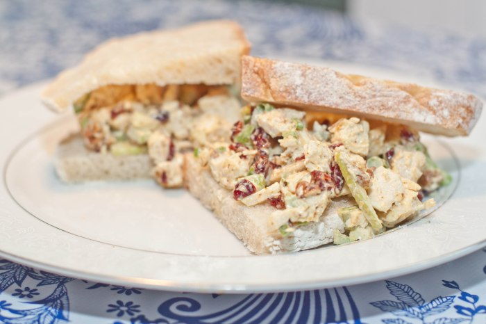 how to make chicken salad sandwiches with apples