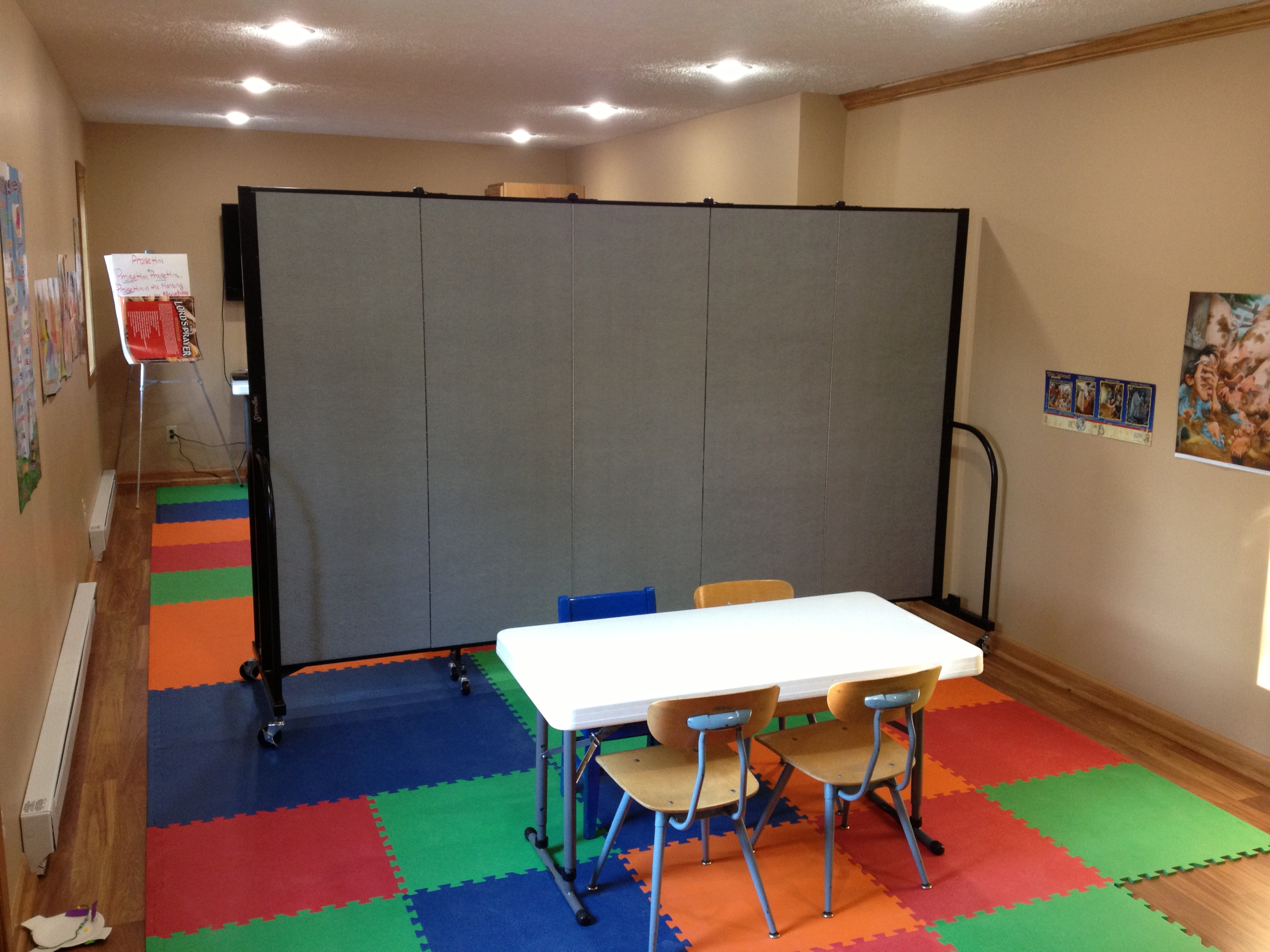Temporary Room Separators Ideas For Using Portable Church Room Dividers Screenflex