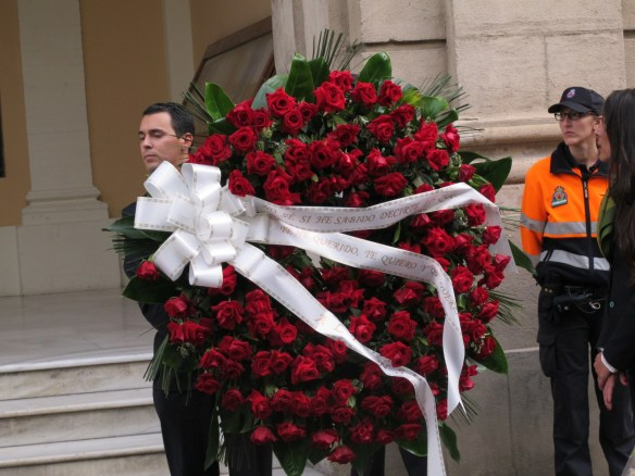 """Alfonso's wreath to his wife reads: """"I don't know if I knew how to tell you how much I loved you, I love you, and I will love you."""""""