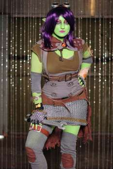 Amber cosplaying as Goblin Engineer for BlizzCon 2011.