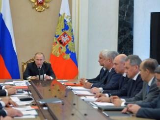 الرئيس الروسي فلاديمير بوتين يترأس اجتماع اللجنة الحكومية المعنية بالصناعة الحربية الروسية