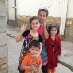 人々とヤギと風景と・・・。サマルカンドの街角にて【ウズベキスタン】