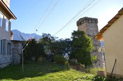 朝のメスティア、塔がたくさんある風景【ジョージア(グルジア)Georgia:საქართველო】