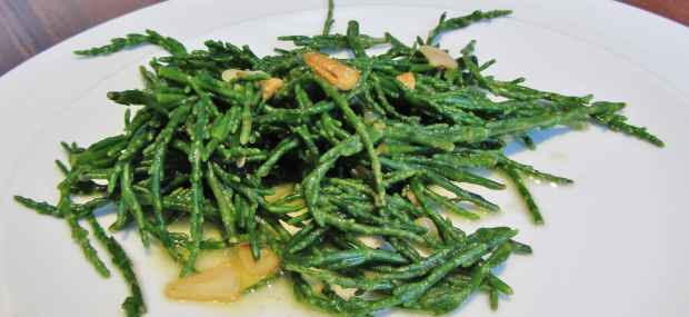 Lemon and garlic samphire