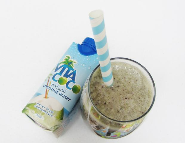 vita coco banana spinach and blueberry smoothie