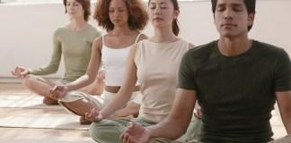 yin yoga group sukhasana
