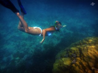 Renee Blundon at a Coral Rock off Cost of Mbudya Island 1024 x 768