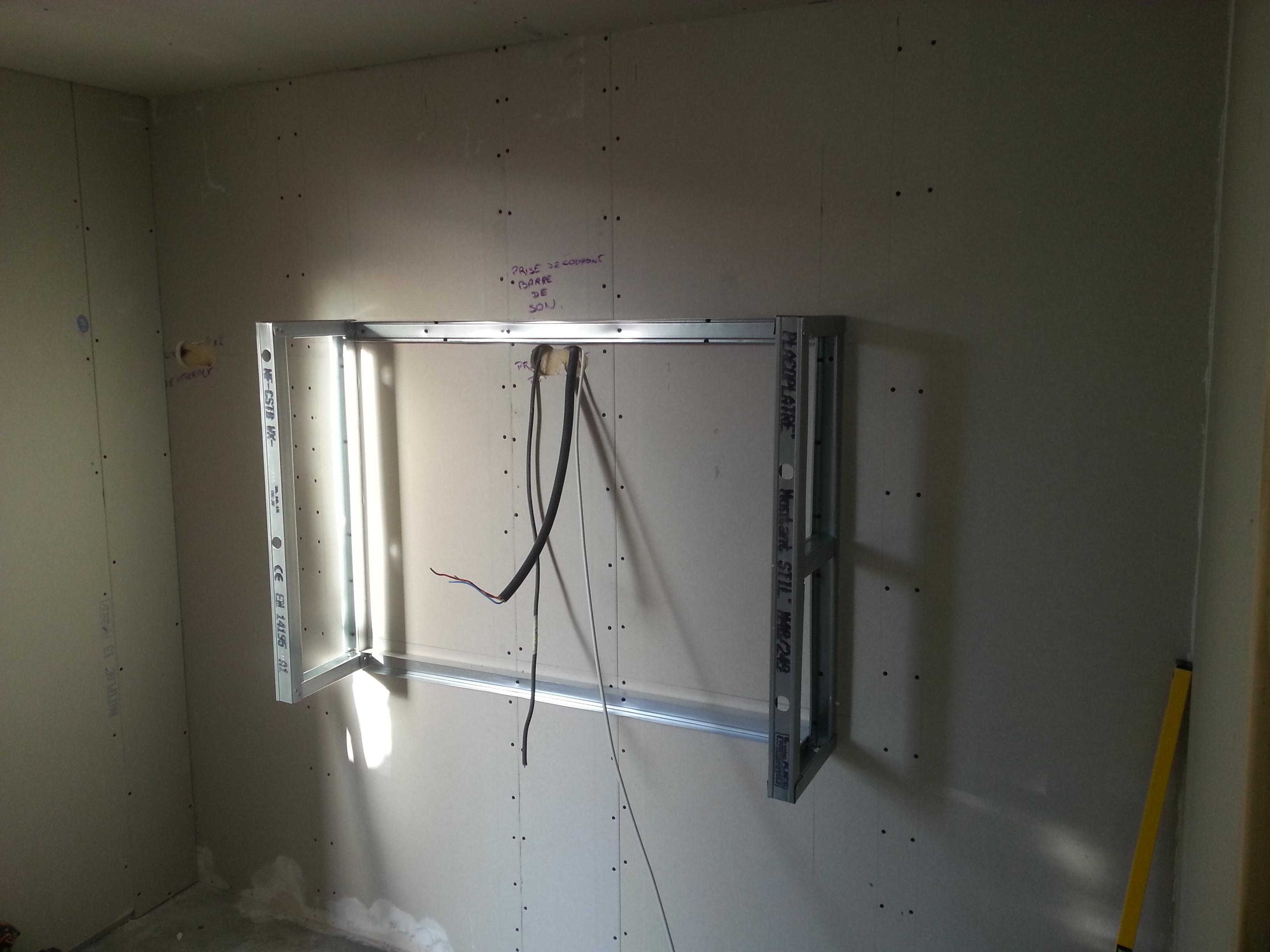 couper rail placo comment poser une porte coulissante. Black Bedroom Furniture Sets. Home Design Ideas
