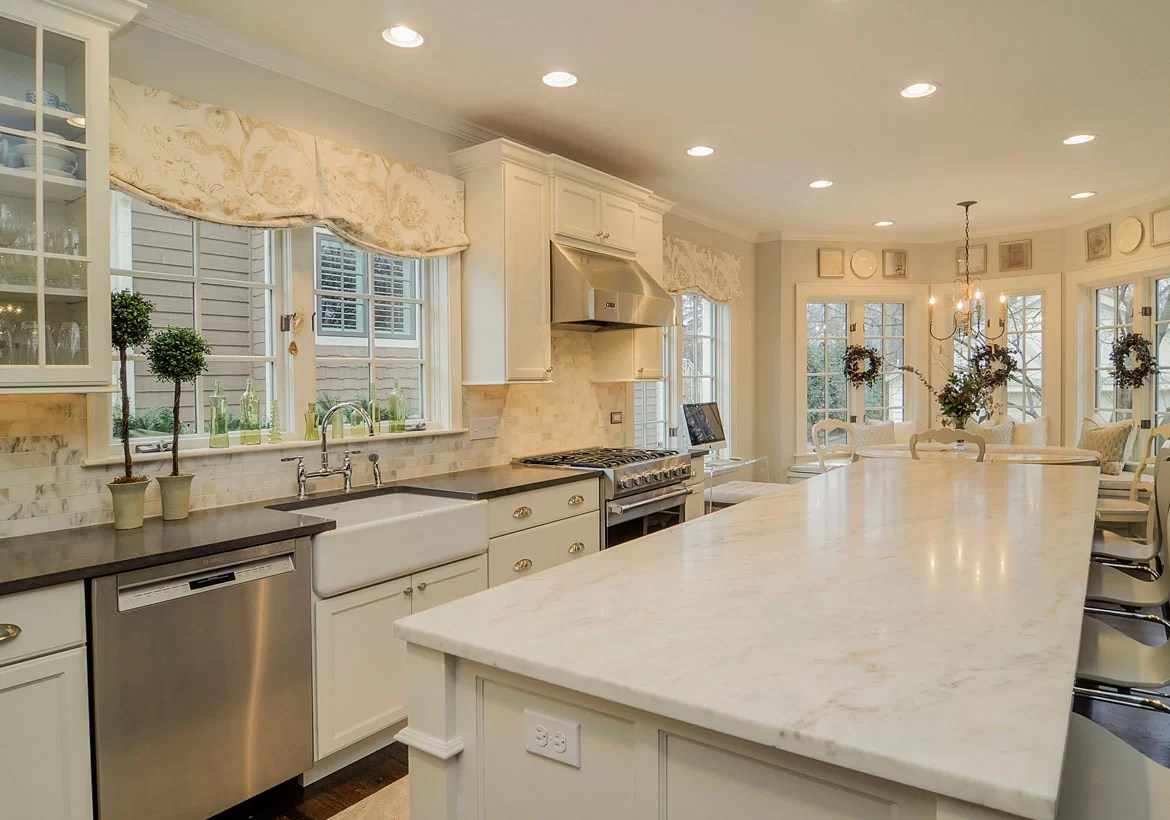 Should Kitchen Cabinets Go Up To Ceiling 35 Fresh White Kitchen Cabinets Ideas To Brighten Your Space
