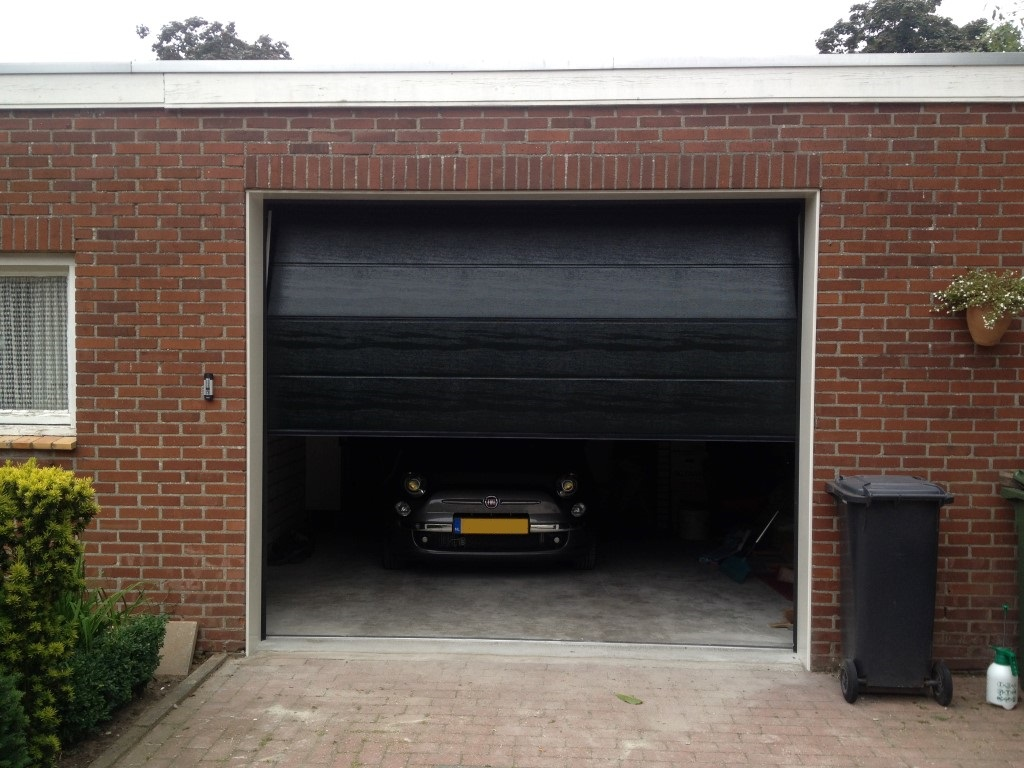 Elektrische Garagedeur Elektrische Garagedeur In Weert Different Doors