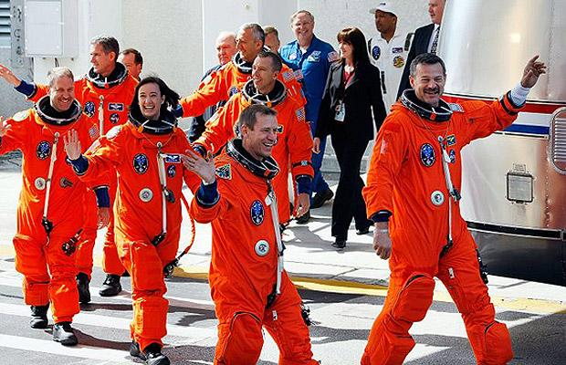 Space Shuttle Atlantis on mission to repair Hubble Space Telescope