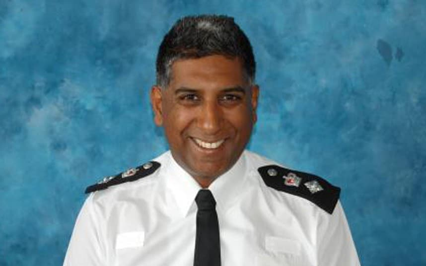 Senior Tech Senior Met Police Chief Quits With Race Crisis Parting