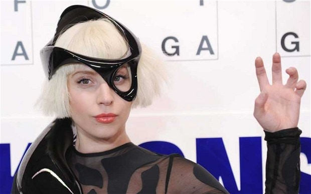 Lady Gaga draws in Saturday Night Live viewers while Artpop sales