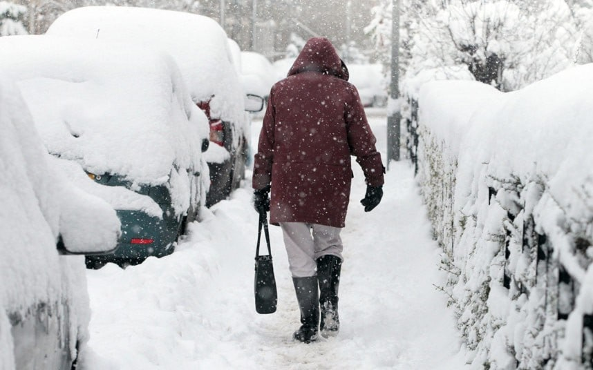 Air Travel Uk Weather Three Day Cold Snap To Bring Snow And Gale Force Winds