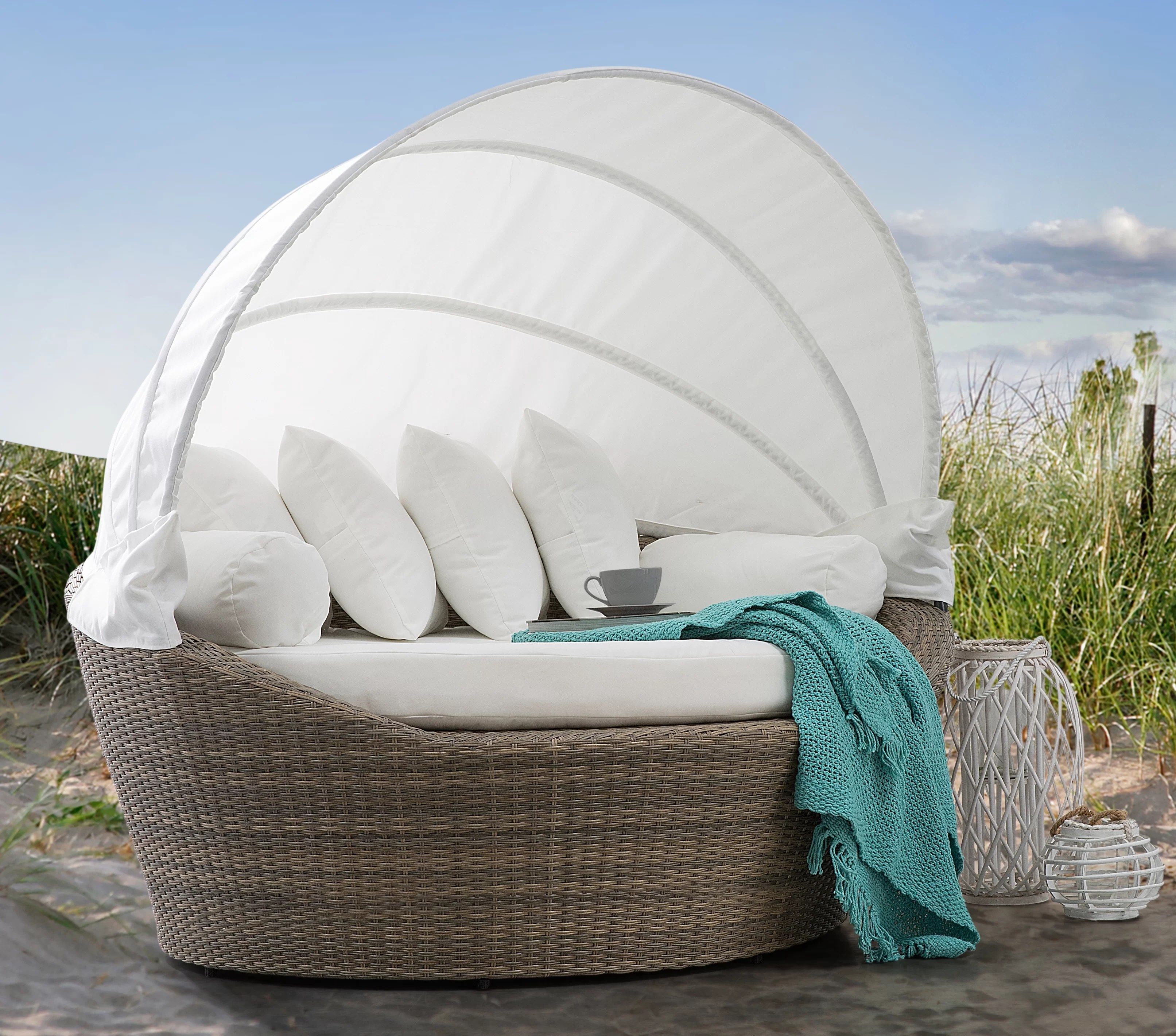 Pearl Daybed Outdoor Sol 72 Outdoor Outdoor Rattan Garden Daybed