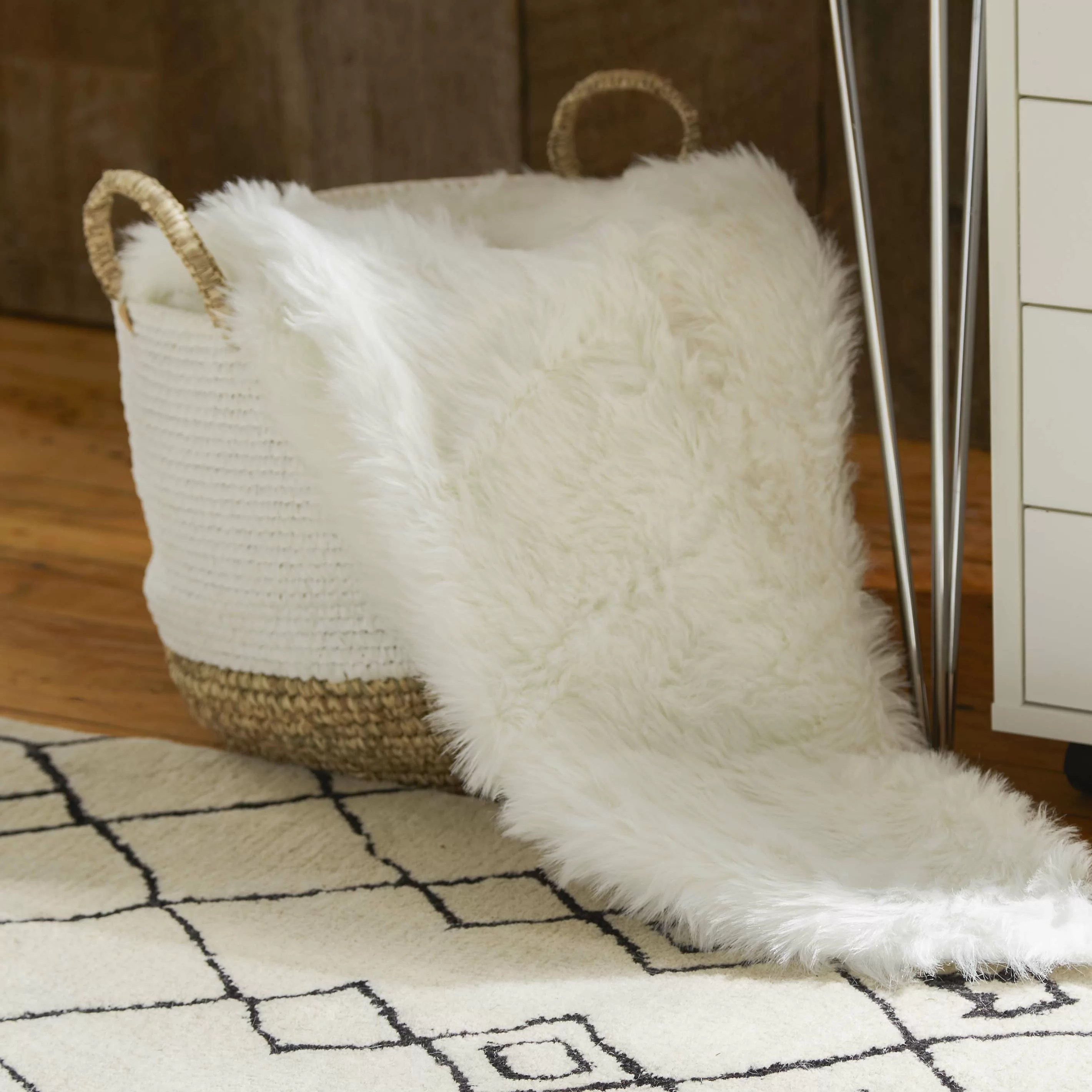 Throw Blankets Branchville Faux Fur Throw Blanket