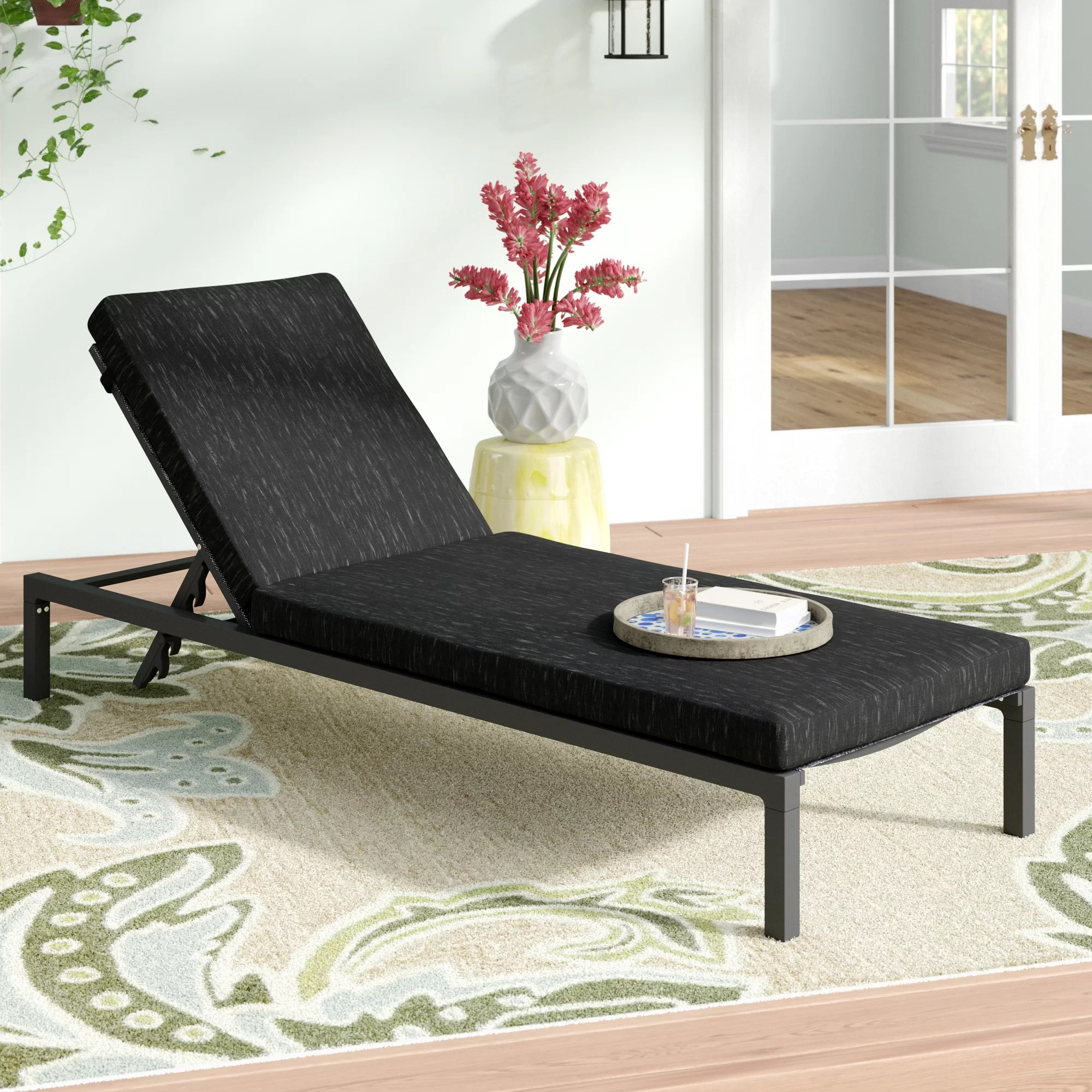 Chaises Elizabeth Mirando Modern Reclining Chaise Lounge With Cushion