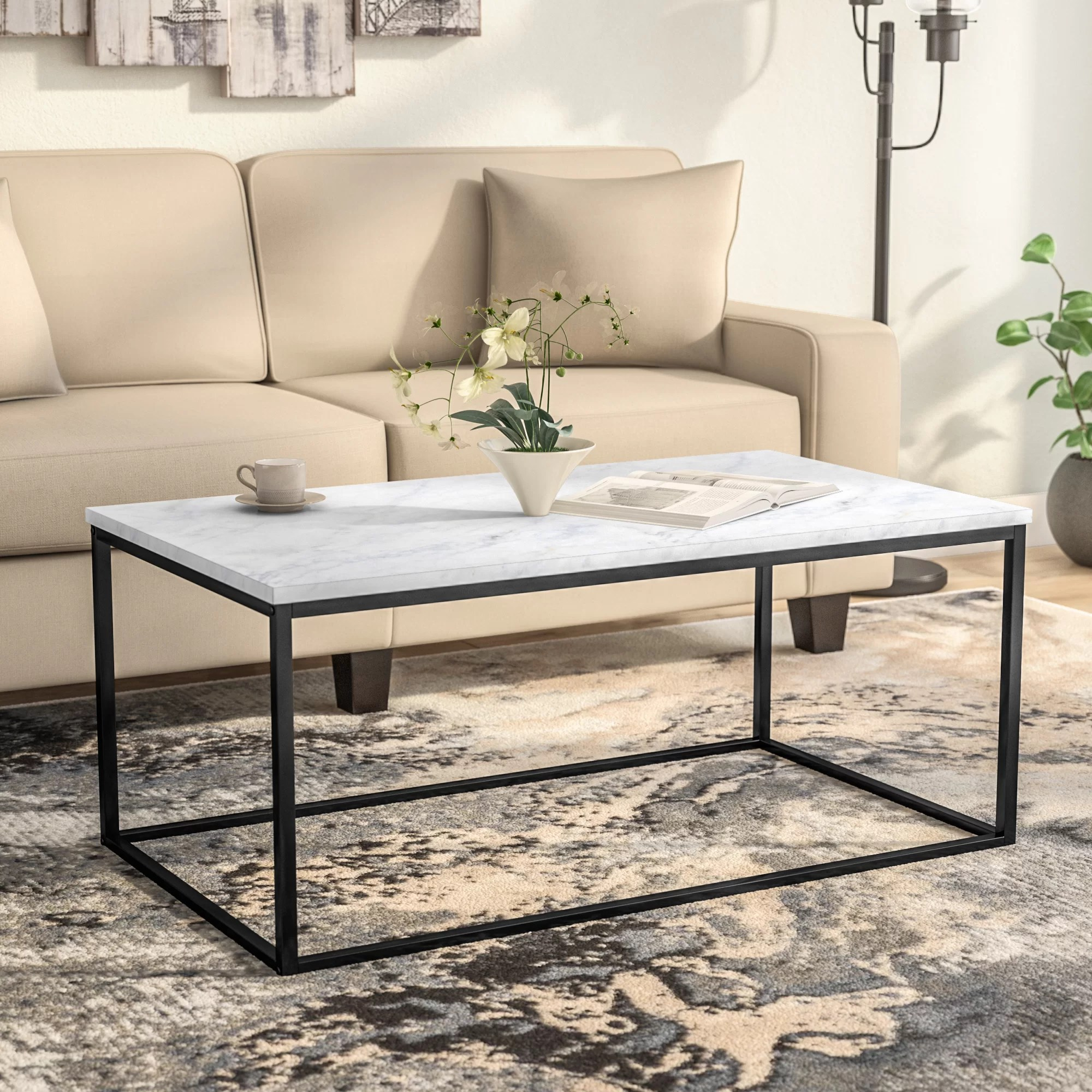 Jennifer Couchtisch Wrought Studio Egbert Coffee Table