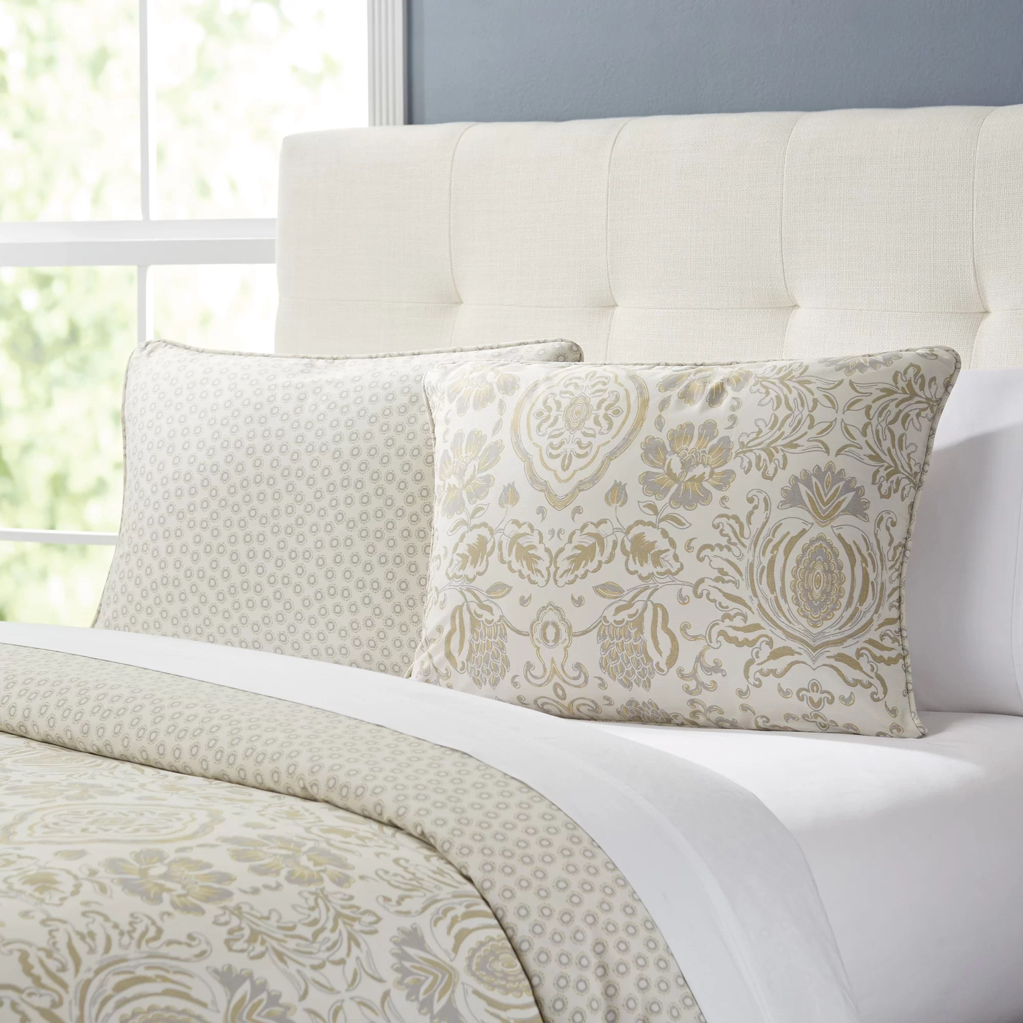 Duvet And Comforter Sets Irina Comforter Set