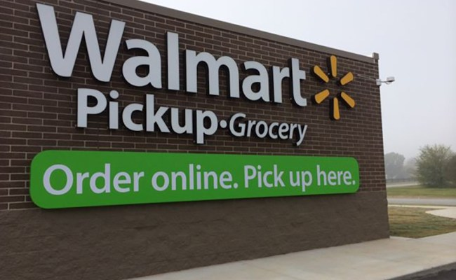 Walmart Pushes Grocery Pick Up In Target S Backyard