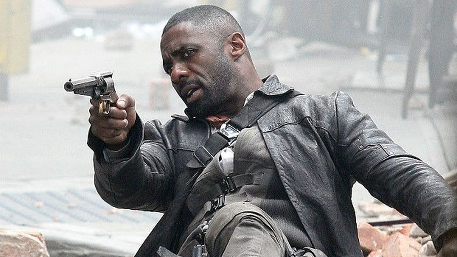 Idris Elba Films Dark Tower Scenes With Tom Taylor As Jake The Dark Tower Hasn T Forgotten The Face Of Its Father Welcome