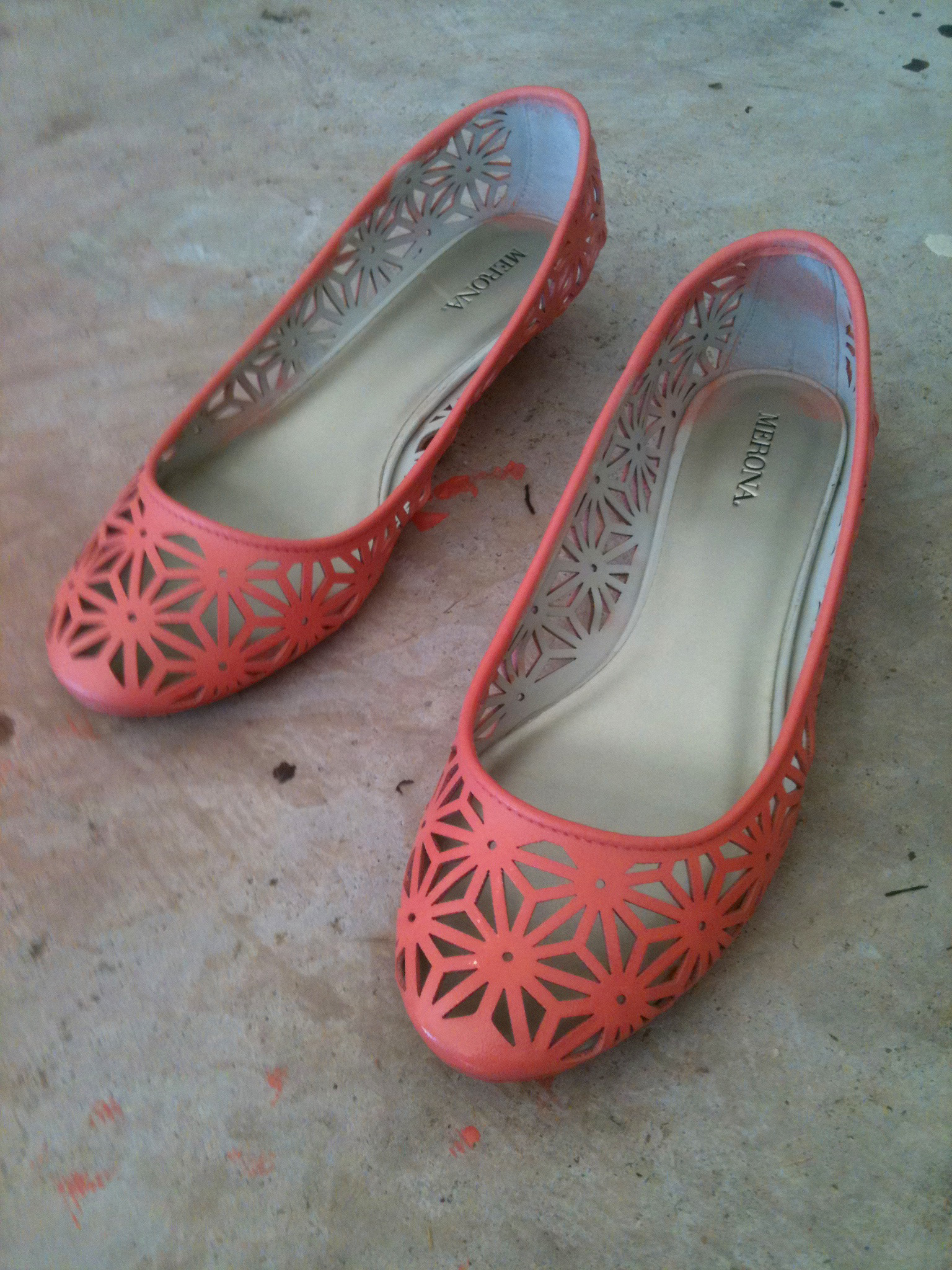 how to spray paint shoes. Black Bedroom Furniture Sets. Home Design Ideas