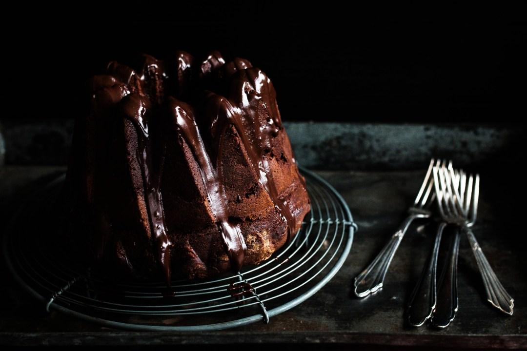 Schokoladen Gugelhupf mit Erdnussbutter Swirl   seelenschmeichelei.de