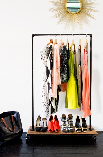 small-clothes-rack