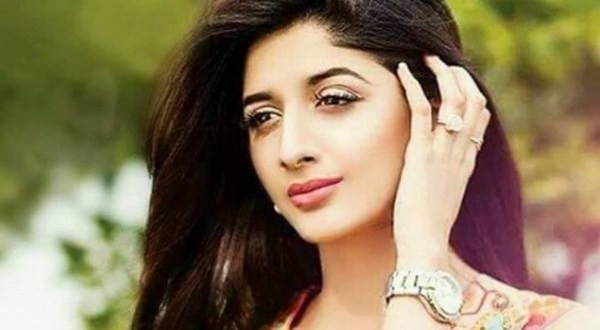 Pakistani actresses,  Mawra Hocane | Foto : www.showbizlounge.com
