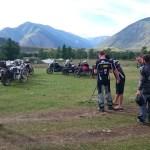 Auf dem Campingplatz, die Motorräder werden für die Fotoshow schön aufgereiht