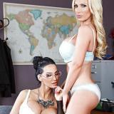 Nikki Benz en Amy Anderssen doen aan porno