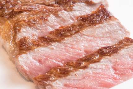 プロは冷たいままで焼く!市販のステーキ肉が劇的においしくなる4つの新常識