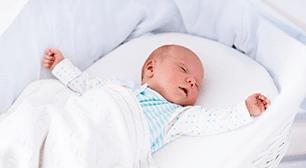 赤ちゃんの手足の冷えは、放っておいても大丈夫?
