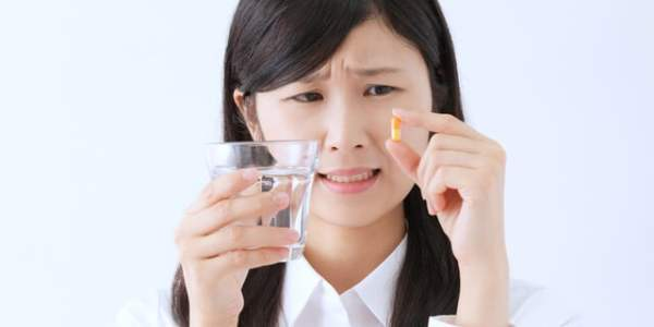 《薬嫌い必見》薬剤師が教える!錠剤や粉薬をうまく飲むコツ