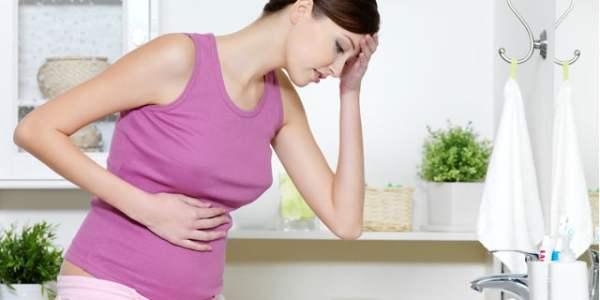 妊娠中のエッチはどこまでOK?妊娠周期別の注意点とリスクについて