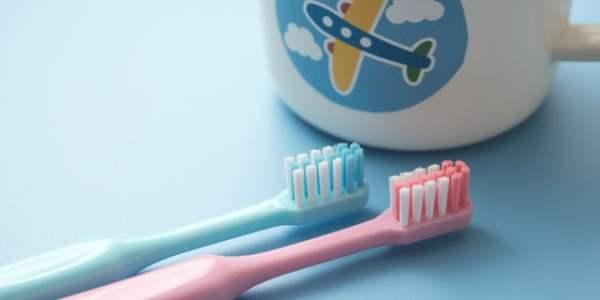 【赤ちゃんの正しい歯磨き方法】嫌がられないコツを歯科医師が解説