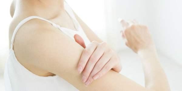 二の腕のブツブツの正体は何?ツルスベ肌を取り戻す4つの対策
