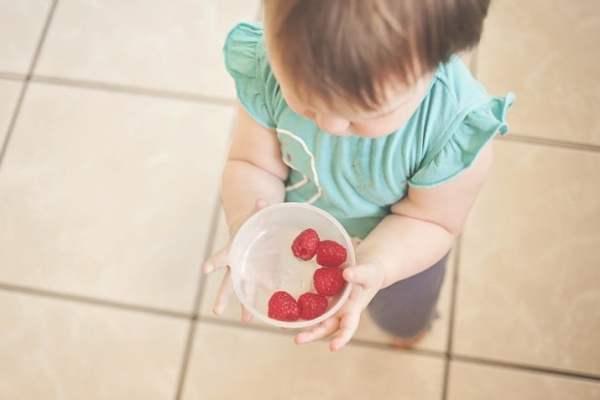 赤ちゃんはなぜ人見知りになるの?ママを助ける対策方法8つ