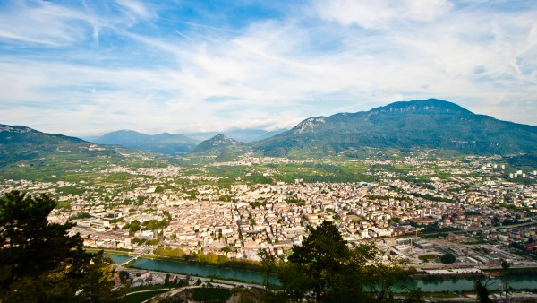 Trento as seen from Sardagna (credits:http://www.flickr.com/photos/15216811@N06/5004381056/)