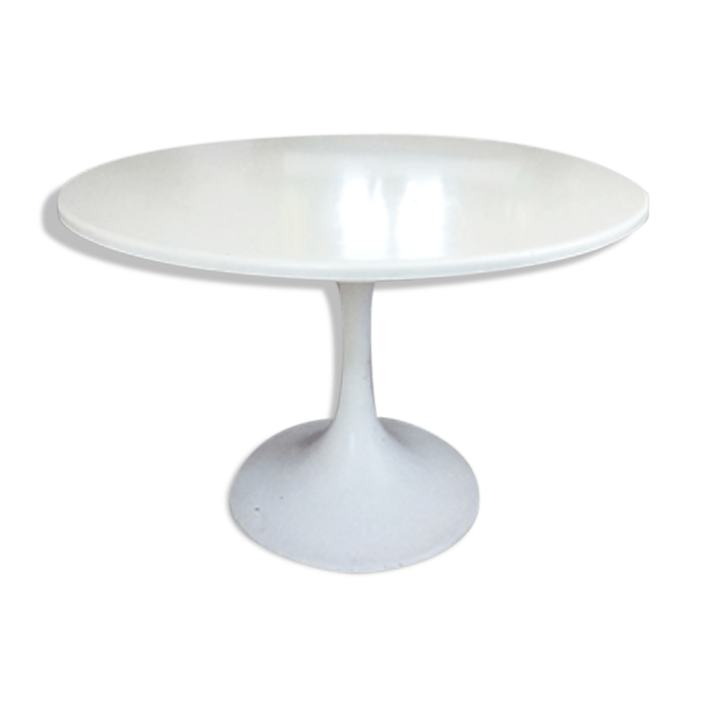 Table Ovale Tulipe Free Gallery Of Table Vintage Pieds Tulipe En Fibre De