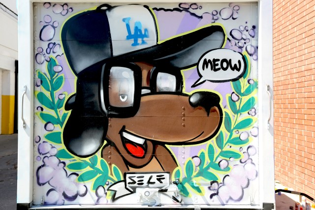 selfuno self truck los angeles graffiti dog character june 2016