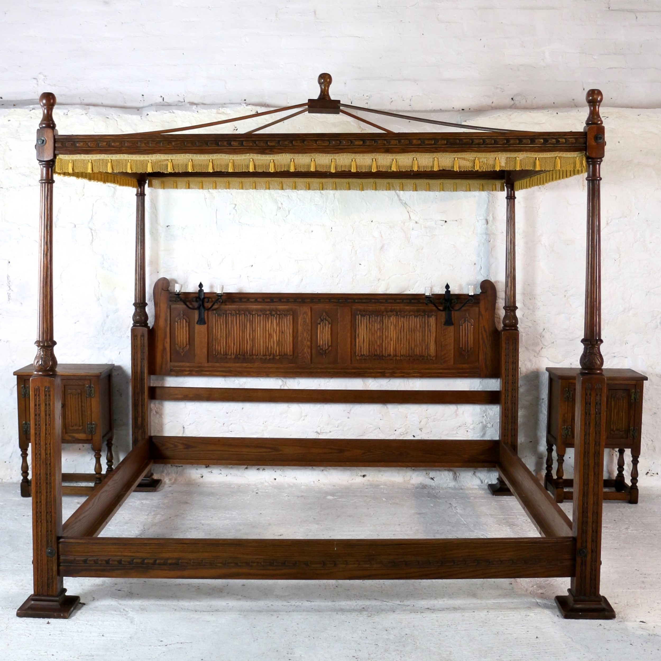High Poster Bed King Gothic Tudor Style Oak Four Poster Emperor Size Bed 66