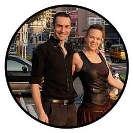 Haydée et Tony, de Travel plug-in : parmi les 44 personnes à suivre pour être, avoir et faire mieux dans son business et dans sa vie perso !